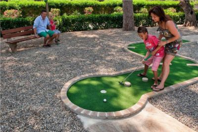 Cashback Camping-and-co : Mini-golf dans le camping Playa Montroig en Espagne